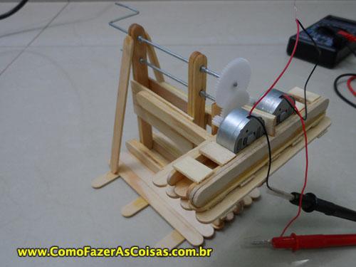 7b79c78d72c Abaixo seguem mais algumas imagens mostrando detalhes do mini gerador de energia  manual.