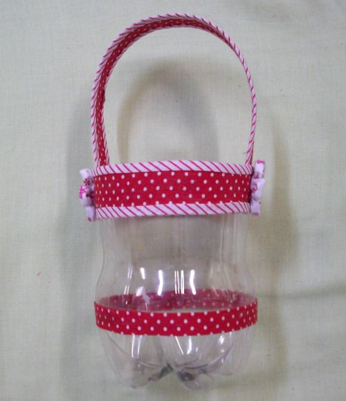 Cestinha de garrafa pet