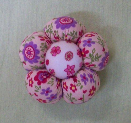 Flor de Fuxico Almofadada e Perfumada