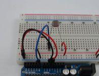 Projeto Arduino com sensor de luz LDR com sa�da de leitura em leds