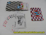 Como fazer a mágica da carta de baralho que levita.