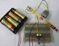 Circuito simples que controla a velocidade de um motorzinho. Como fazer!