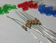 Como calcular o resistor adequado para um LED.