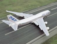 Cidadão constroi avião Boeing 747 na garagem de casa