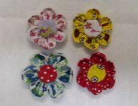 Como fazer uma flor de fuxico de tecido com as pétalas arredondadas