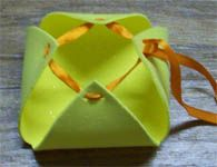 Como fazer uma cestinha de EVA para lembrancinhas